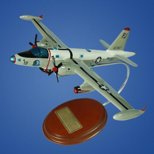 Lockheed Neptune P2V NAVY-7 Model Scale:1/103. Mahogany wooden model