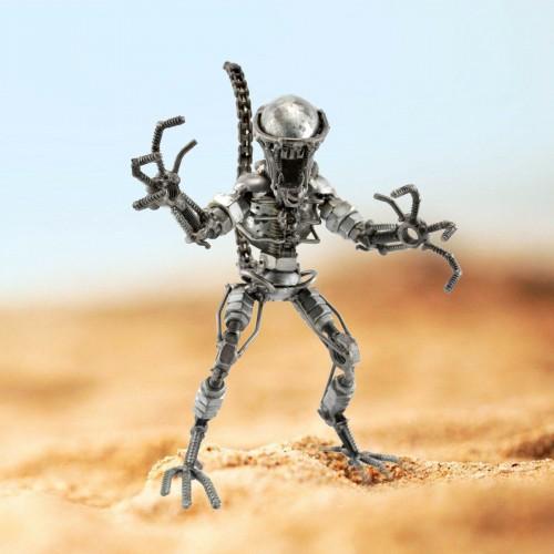 Alien Sculpture : metal model (set 3)  Scrap Metal Art