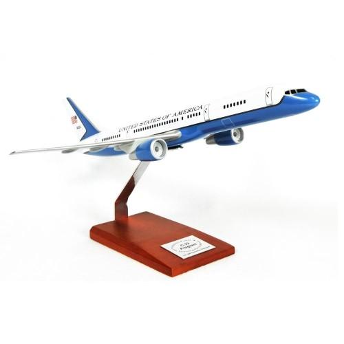 Boeing C-32A VIP (737-200) Model Scale:1/100