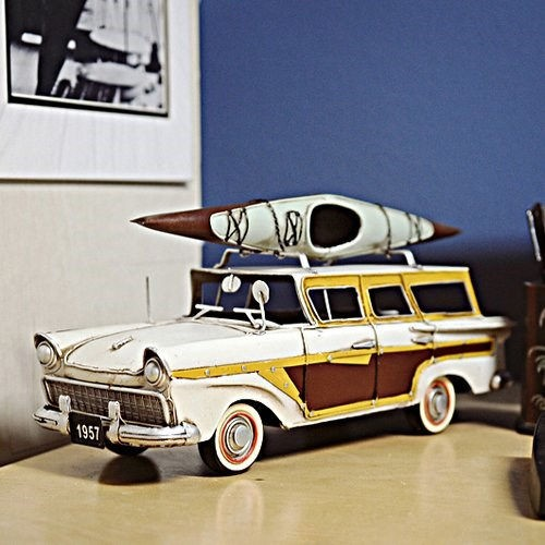 Fords Woody-Look Country Squire with Kayak - Model Car