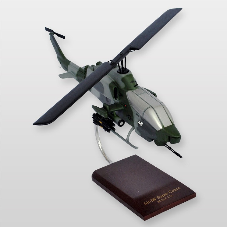 Bell AH-1 Cobra Model Scale:1/32