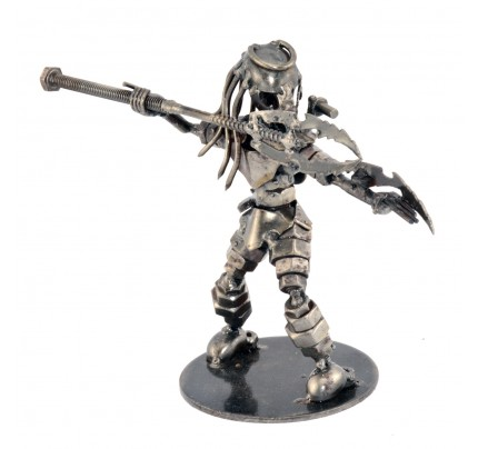 Predator Throwing spears Sculpture : Scrap Metal Model